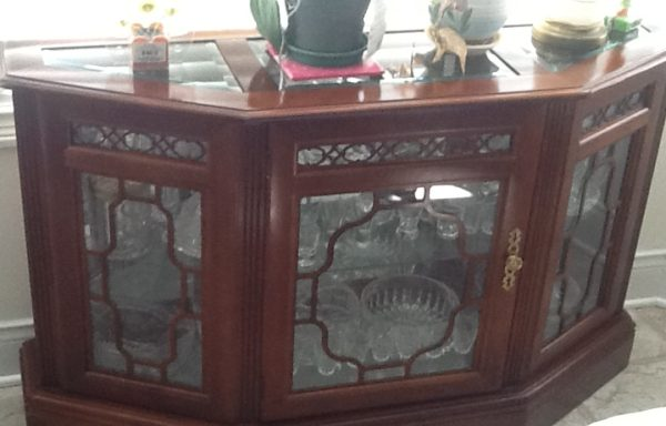 Hutch/Buffet with leaded glass